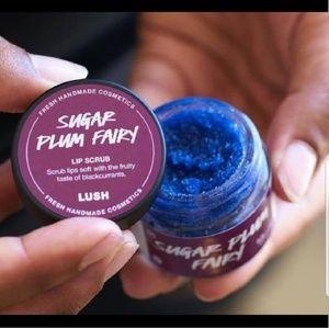 🤍SUGAR PLUM FAIRY XMAS LE LUSH LIP SCRUB NWT